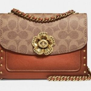 COACH Parker 18 Signature Crossbody.